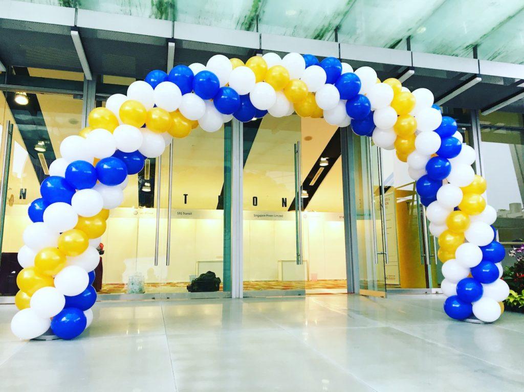 spiral-balloon-arch-singapore