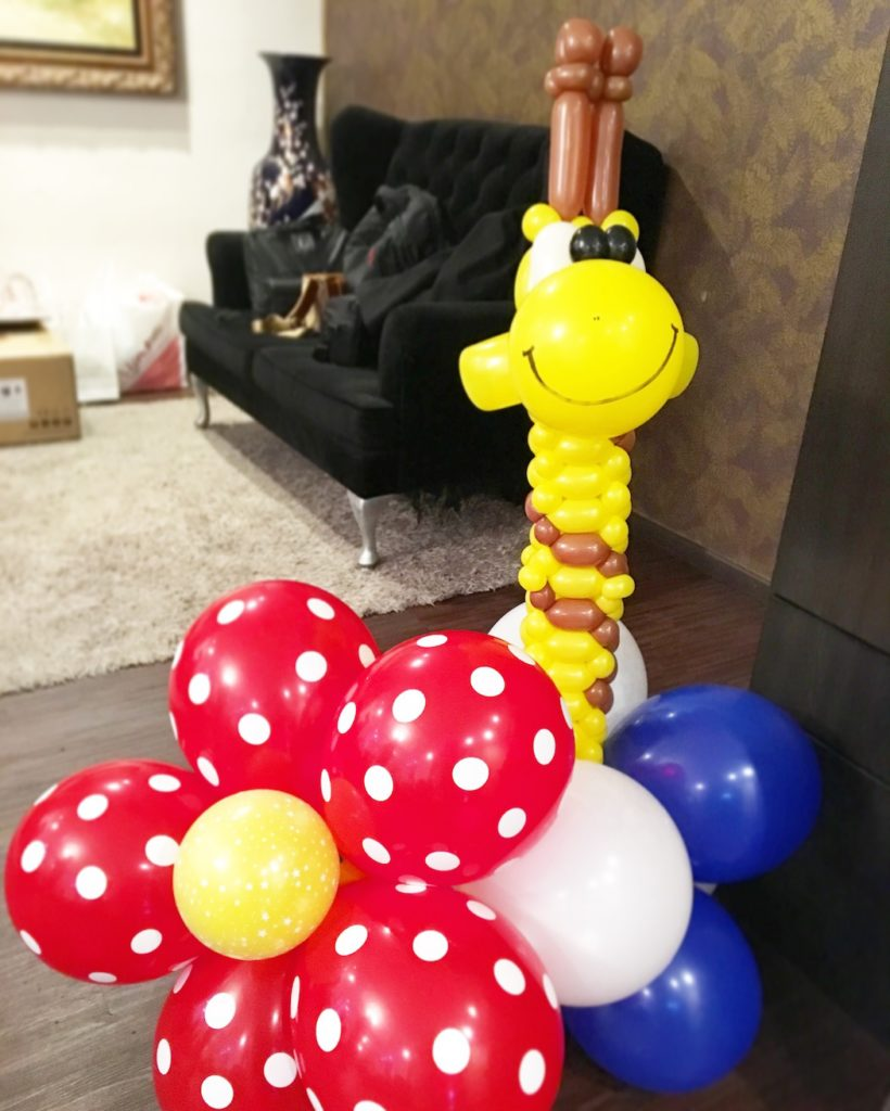 balloon-giraffe-display-decoration