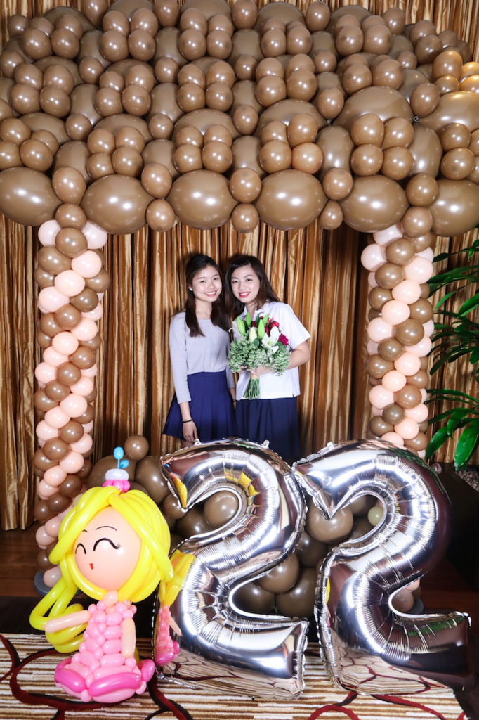 balloon-photo-booth-photoframe-singapore