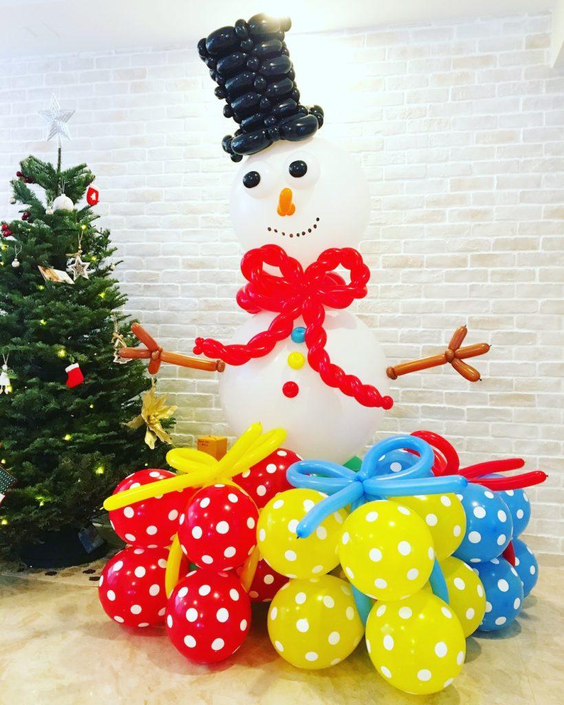 balloon-snowman-sculpture
