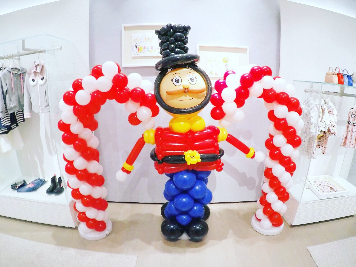 Christmas balloon candy and nutcracker decorations that for Candy cane balloon sculpture