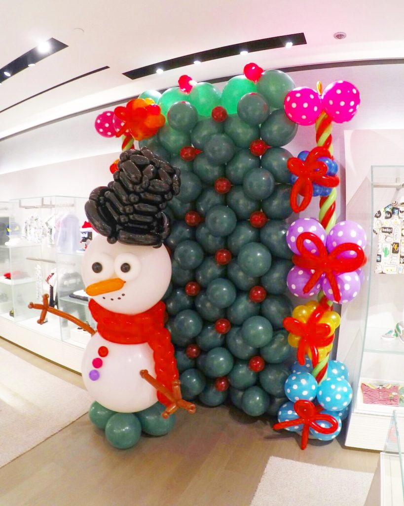 christmas-theme-balloon-backdrop