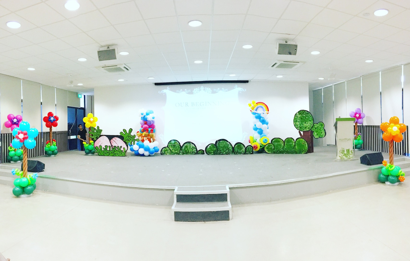 Stage flower balloon decorations that balloons for Balloon decoration for stage