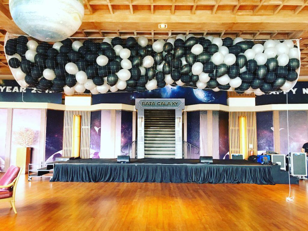 balloon-release-at-shangri-la-hotel