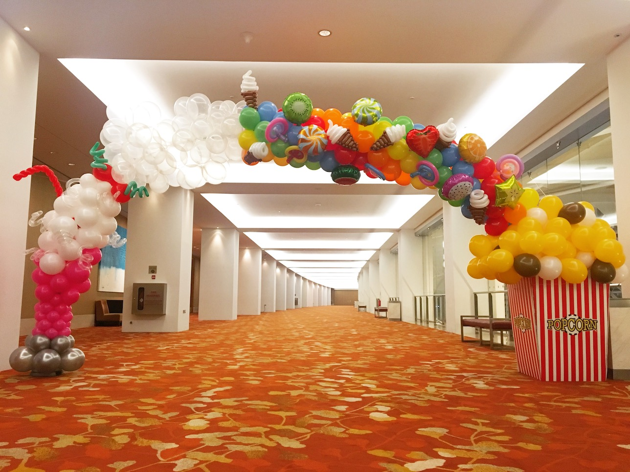 Balloon candies arch that balloons for Balloon decoration for corporate events