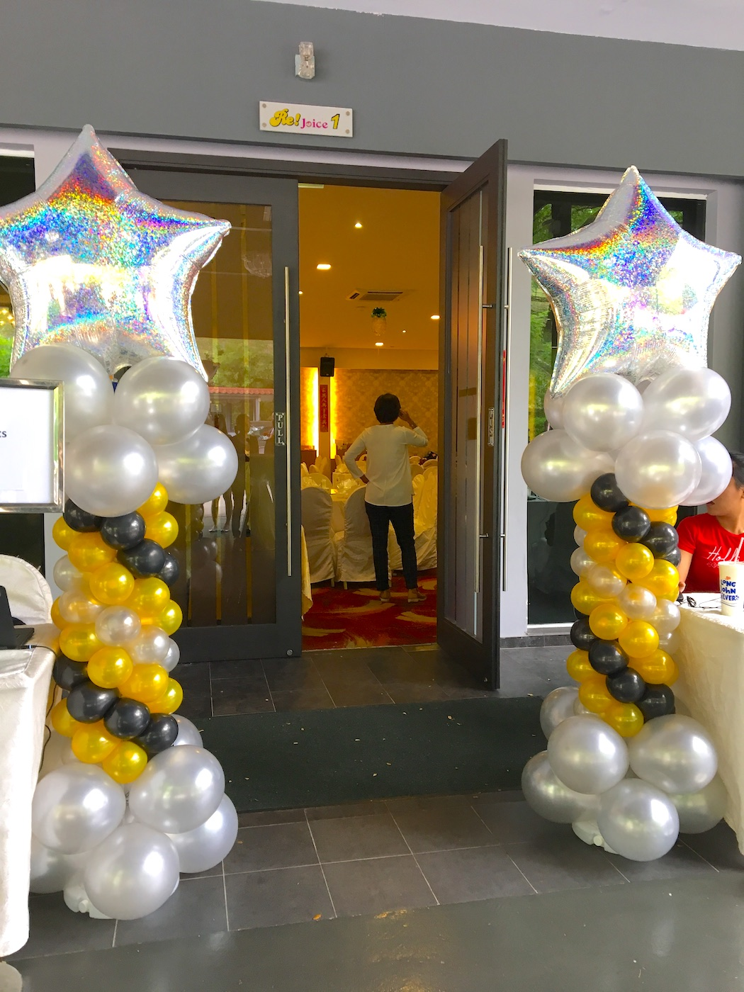 Big star balloon pillars that balloons for 7 star balloon decoration