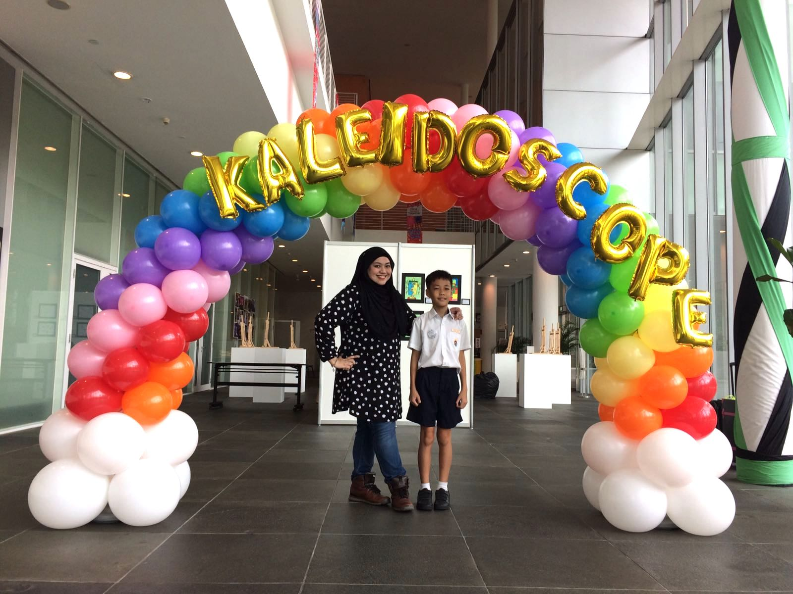 Rainbow balloon arch singapore that balloons for Balloon decoration company