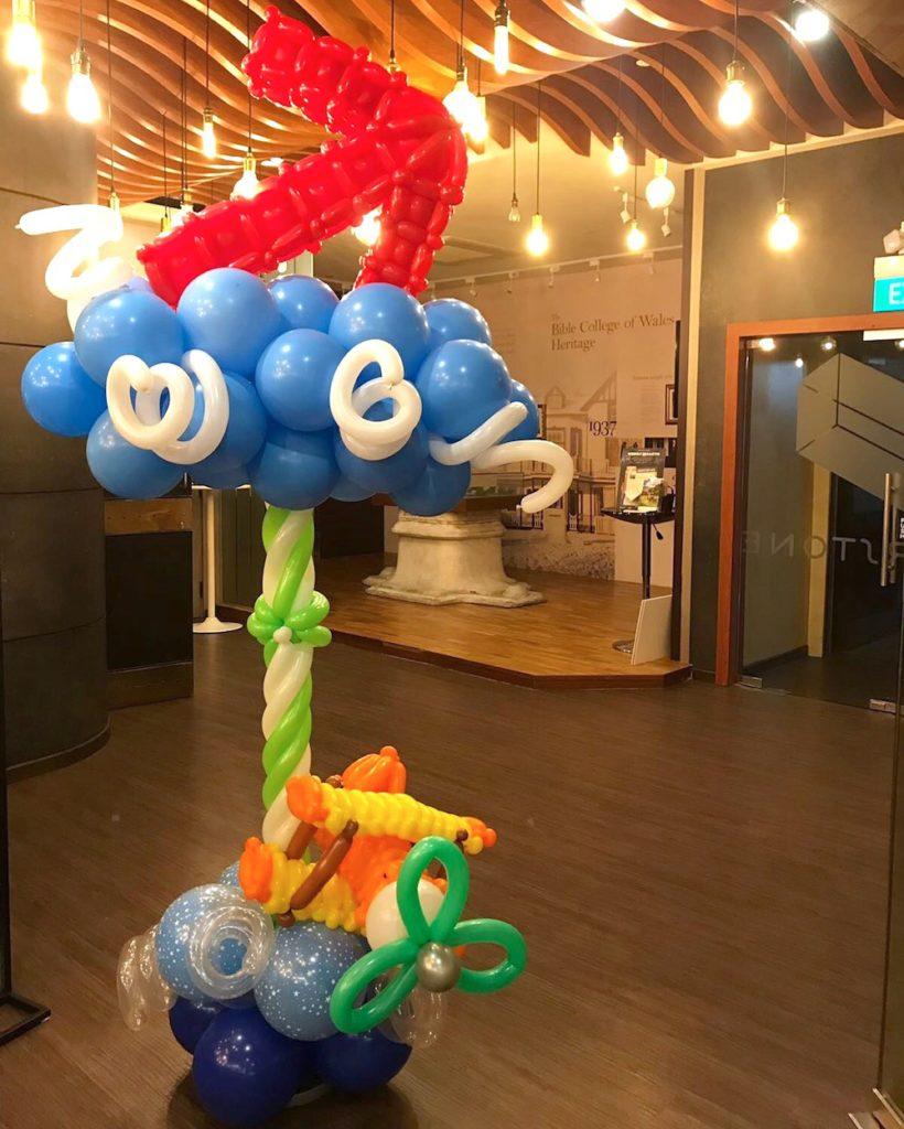 Balloon Arrow Signage Display