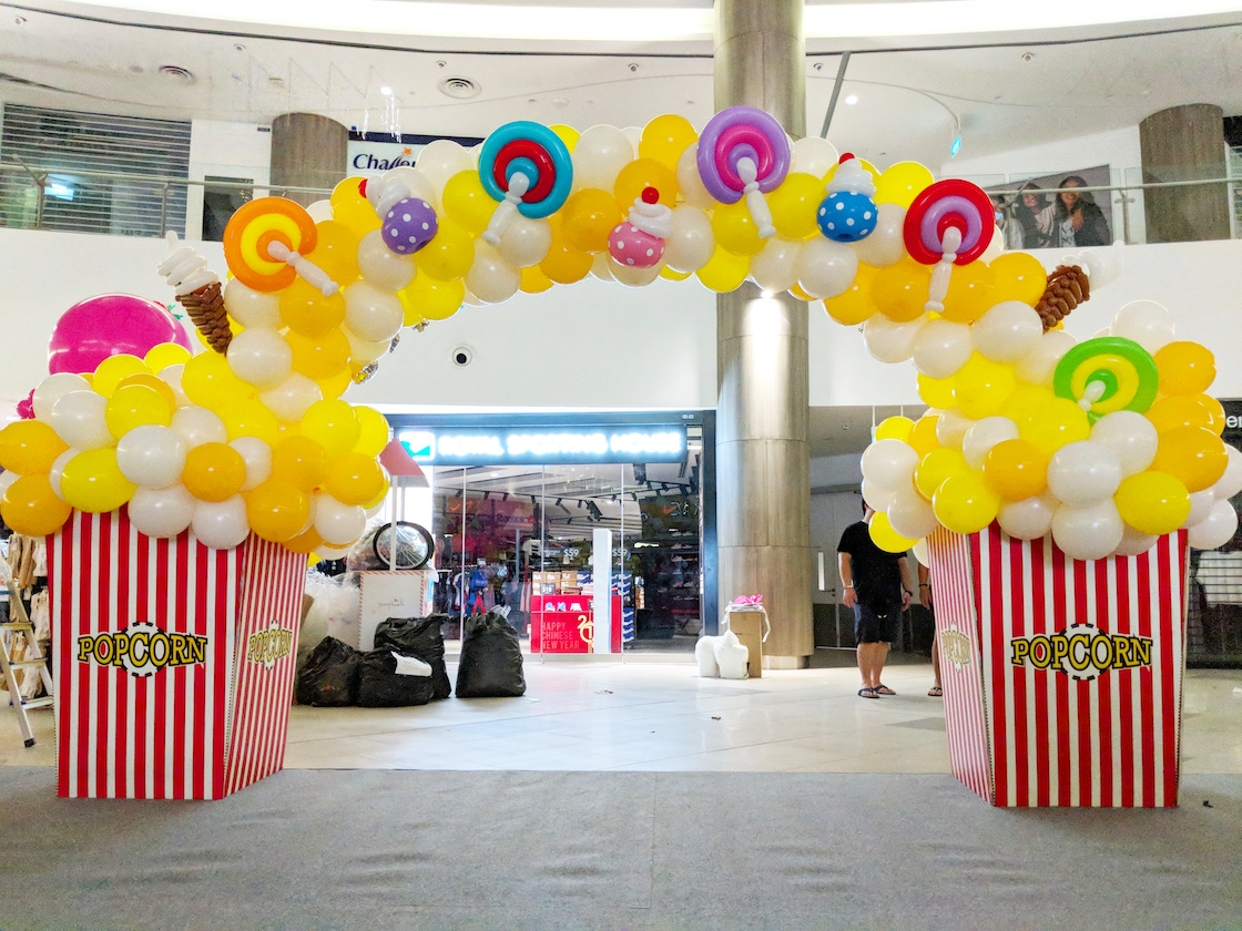 Popcorn And Candies Balloon Arch Decoration That Balloons