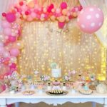 Backdrop with organic balloons