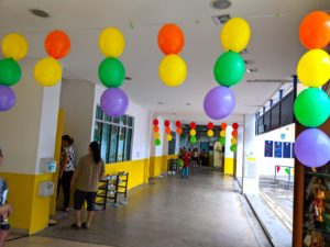 Hanging Balloons on ceiling