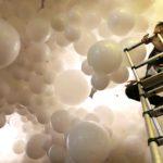 Balloon Artist set up balloon cloud