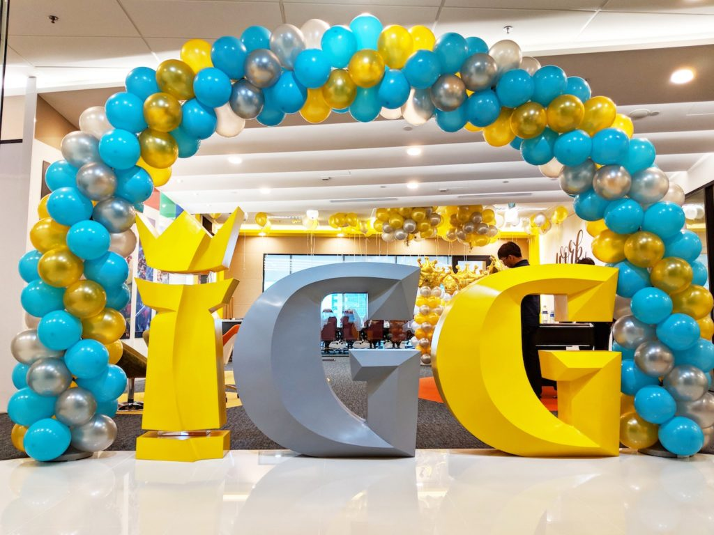 Spiral Balloon Arch IGG