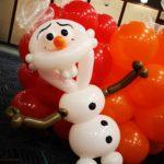 Balloon Olaf Sculpture