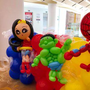 Wonderwomen Balloon Sculpture