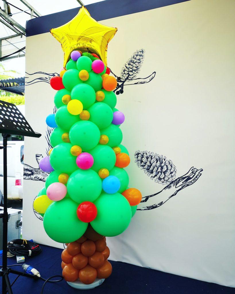 Balloon Christmas Tree Sculpture