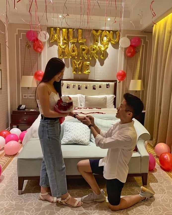 Balloon Decorations for Proposal