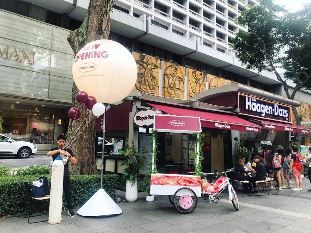 Giant Advertising Tripod Balloon for Haagen dazs