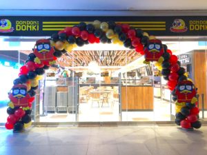 Don Don Donki Entrance Balloon Arch
