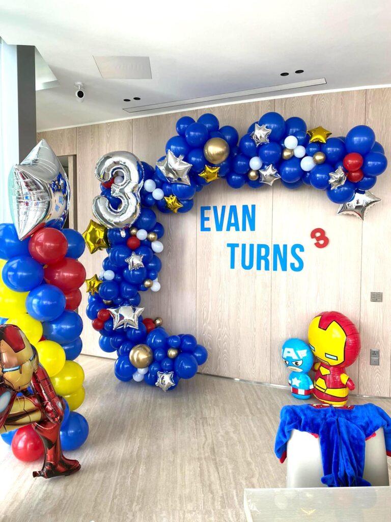 Superhero Balloon Decoations