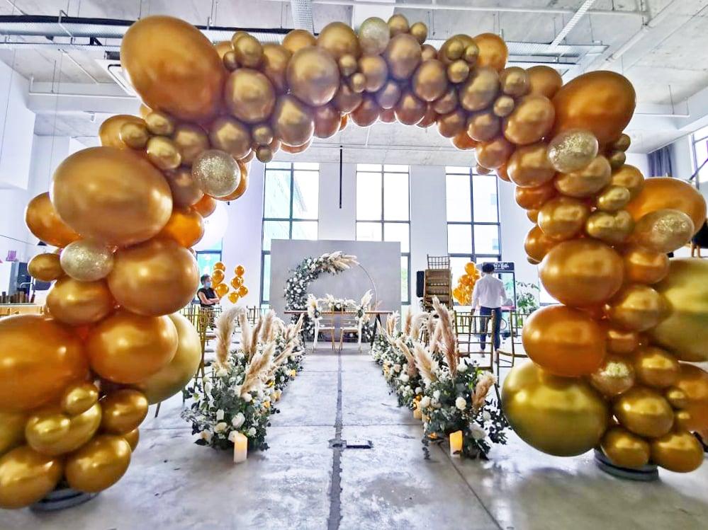 Balloon garlands for event