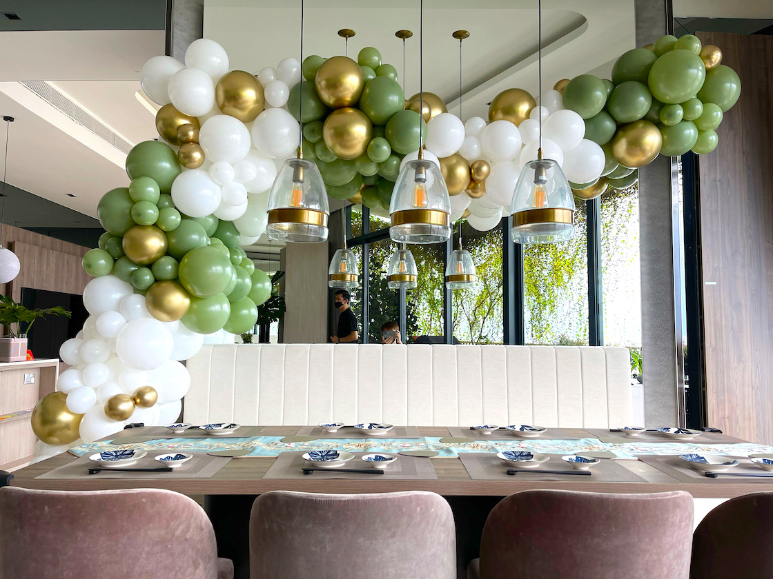 Organic Balloon Garland for Party