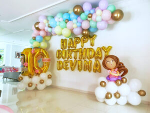 Organic Balloon Decoration for Birthday Party