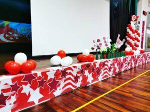 Simple Stage Balloon Decorations