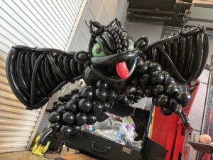 Black Balloon Dragon Sculpture