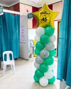 Balloon Pillar with Balloon Star