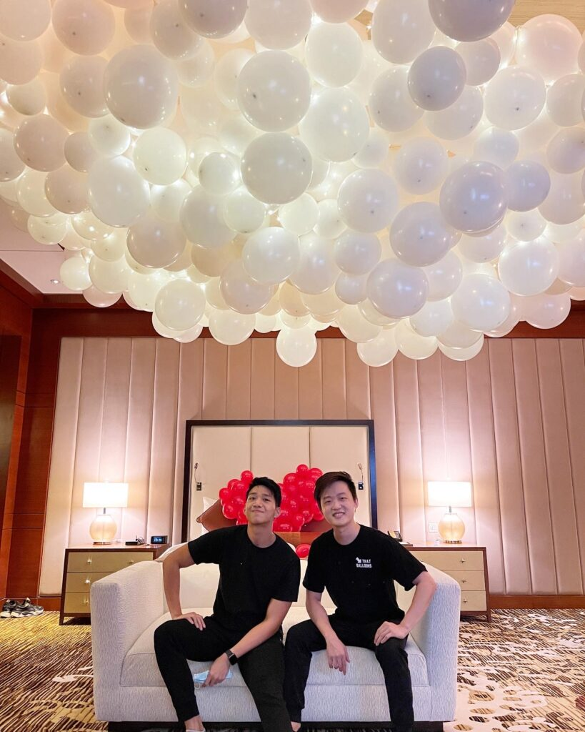 Lighted Balloon Cloud Decorations